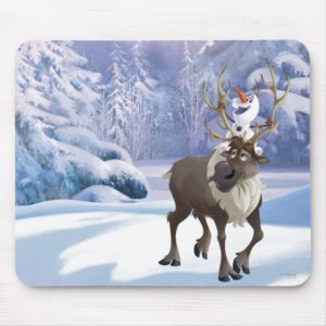 Frozen | Olaf sitting on Sven Mouse Pad