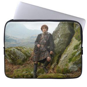 Outlander | Jamie Fraser - Leaning On Rock Laptop Sleeve
