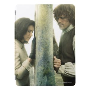 Outlander Season 3 | Claire and Jamie iPad Pro Cover