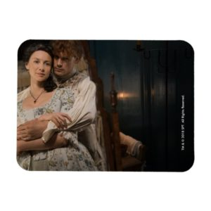 Outlander Season 4 | Jamie & Claire Hug Magnet
