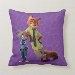 Zootopia   Judy & Nick - Just Chilling! Throw Pillow