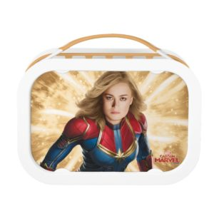 Captain Marvel   Flying Closeup Character Art Lunch Box